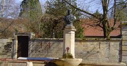 Fontaine à obélisque de Clairegoutte